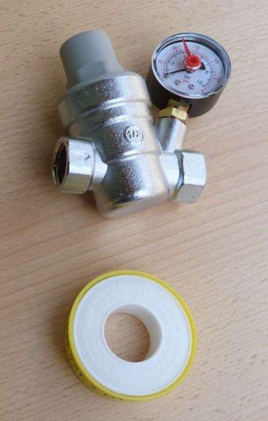 """Druckminderer 1/2"""" 0-10 bar Manometer radial mit OZ + PTFE Band (9732#"""