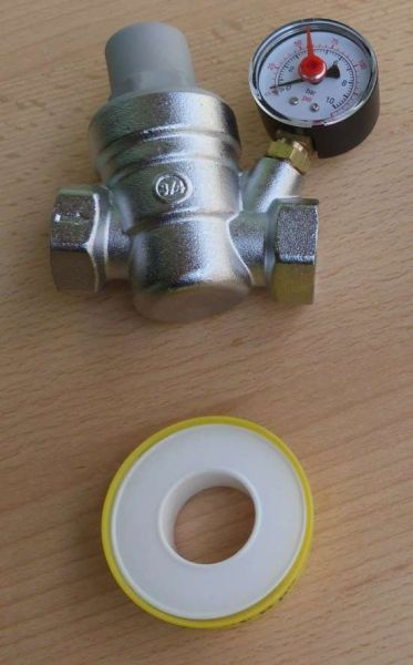 """Druckminderer 3/4"""" 0-10 bar Manometer radial mit OZ + PTFE Band (9733#"""